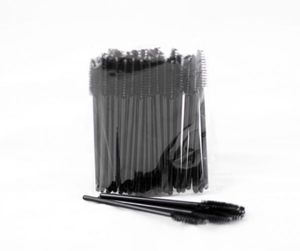 Pack of spoolies or mascara wands
